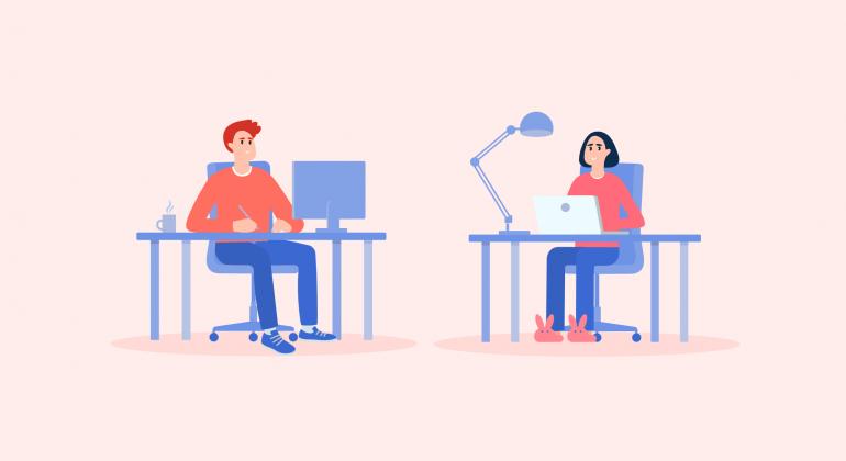 homme et femme travaillent à la maison devant leurs ordinateurs